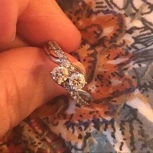 Sz 7 white gold and 1 ct diamond ring